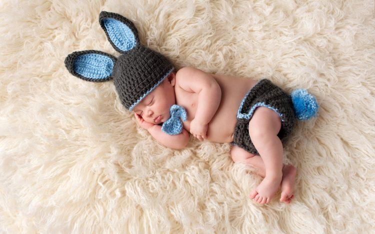 Essential Oils for Babies: Sleep